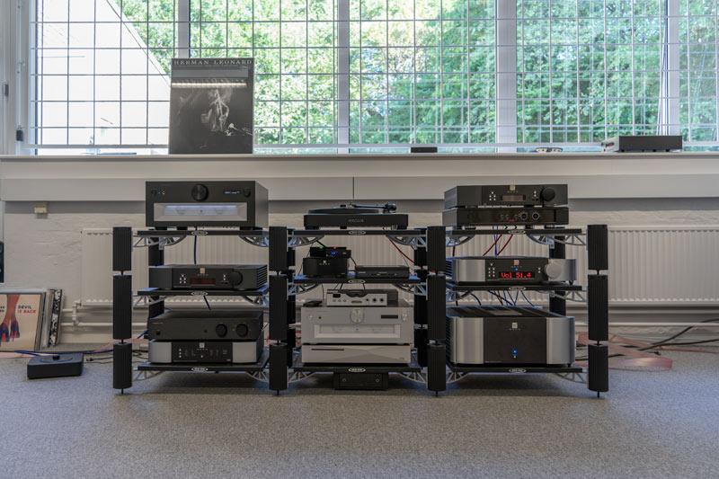 Foto af stereoanlæg i Tape Connection butikken i Højbjerg