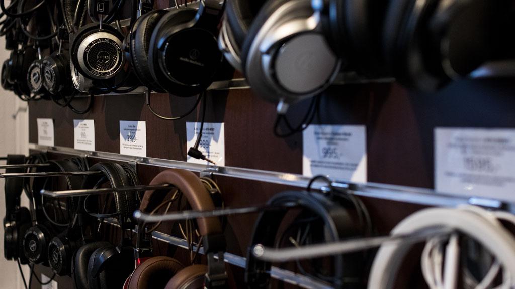 Stort udvalg af hovedtelefoner